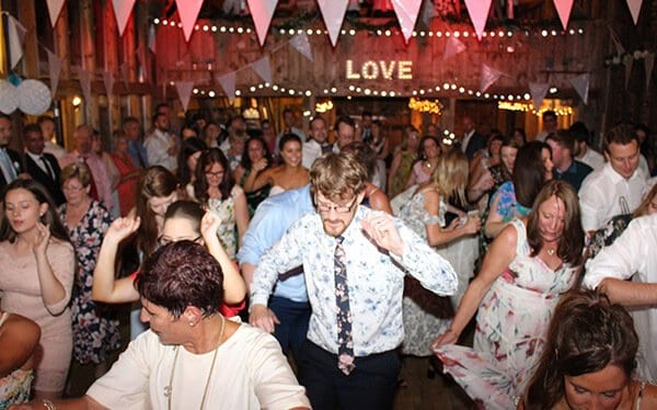 Ian Stewart wedding Dj - An engaging experience
